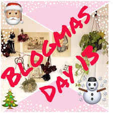 """Blogmas Day #13: Christmas """"Would YouRather?"""""""