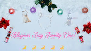 Blogmas Day #21: Q&A andGiveaway!!!