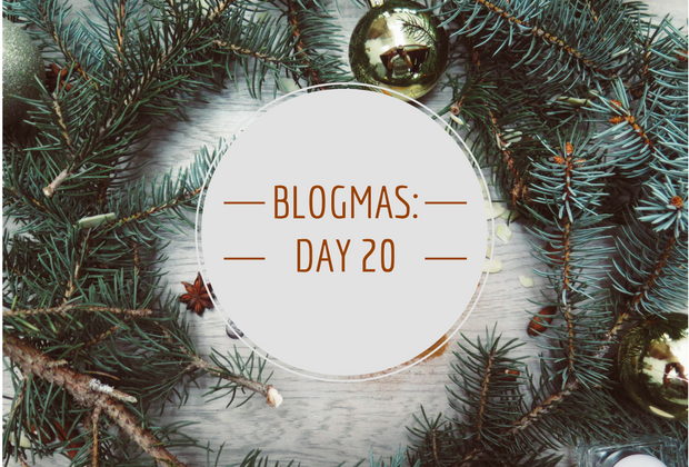 Blogmas Day #20: Santa Paws GiftIdeas
